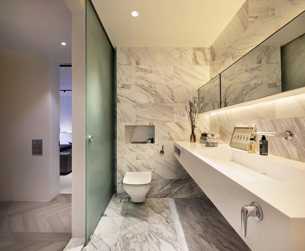 Minimalist, Condo, Bathroom, Mono Apartment, Architect, UPSTAIRS_, Contemporary, Toilet, Indoors, Interior Design, Room