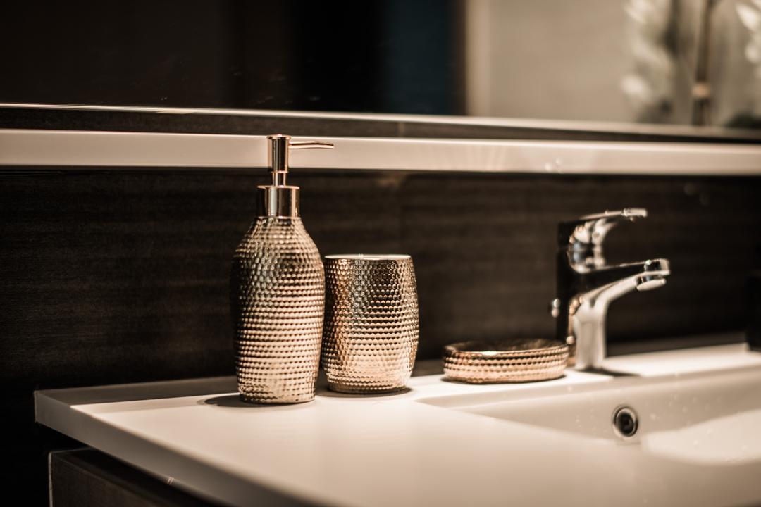 Bellewoods, Mr Shopper Studio, Eclectic, Bathroom, Condo, Sink, Tap