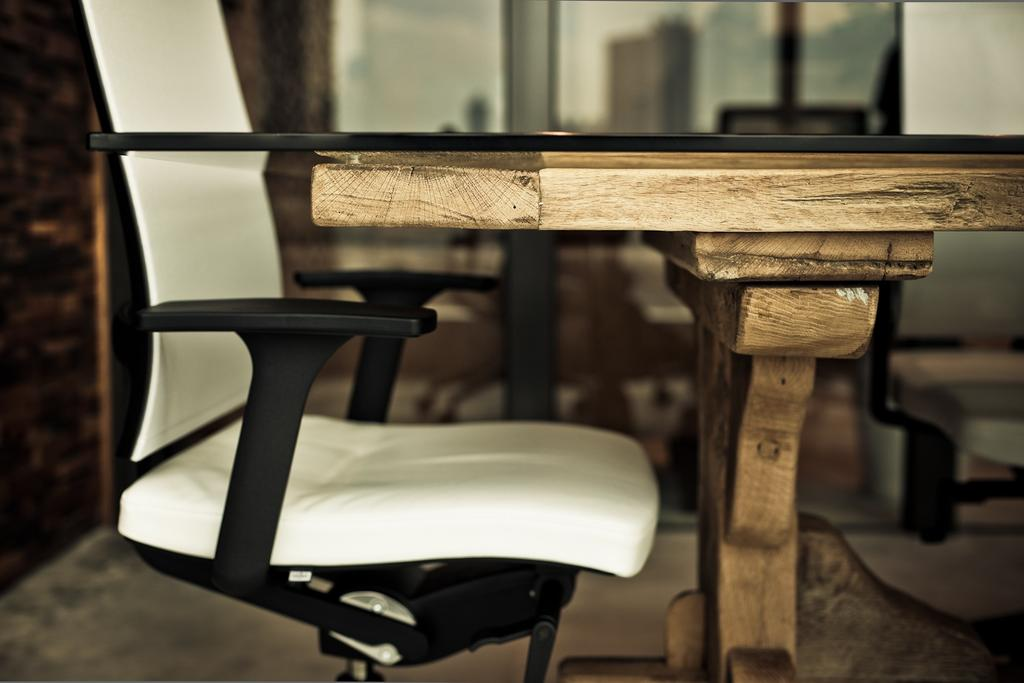 Carhartt WIP, 商用, 室內設計師, Fixonic Interior Design & Construction, 工業, Chair, Furniture, Dining Table, Table