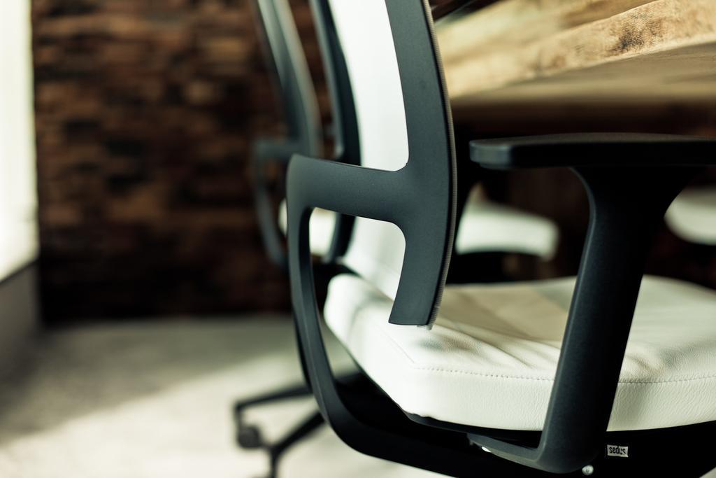 Carhartt WIP, 商用, 室內設計師, Fixonic Interior Design & Construction, 工業, Chair, Furniture, Logo, Trademark
