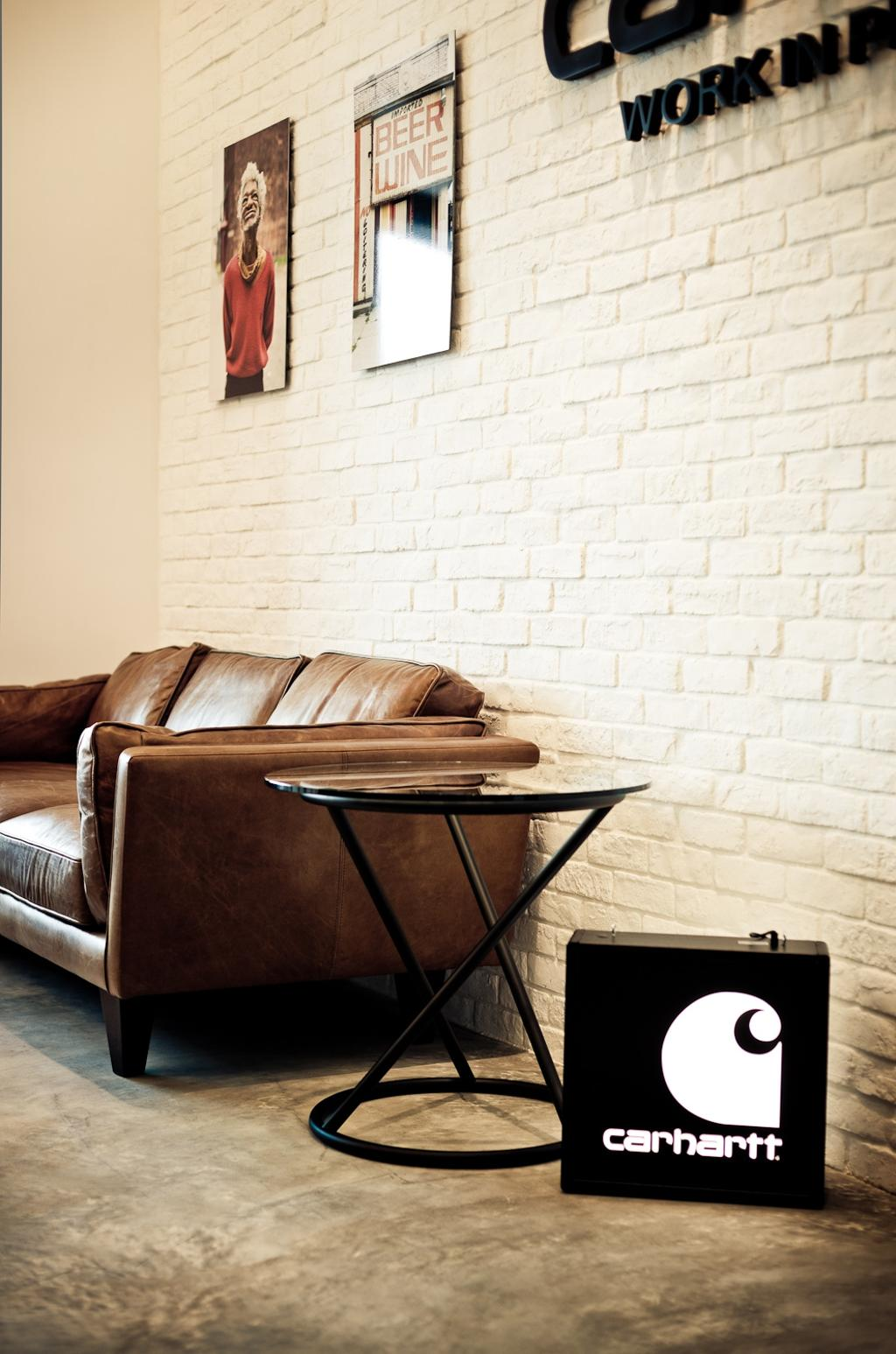 Carhartt WIP, 商用, 室內設計師, Fixonic Interior Design & Construction, 工業, Couch, Furniture, Chair
