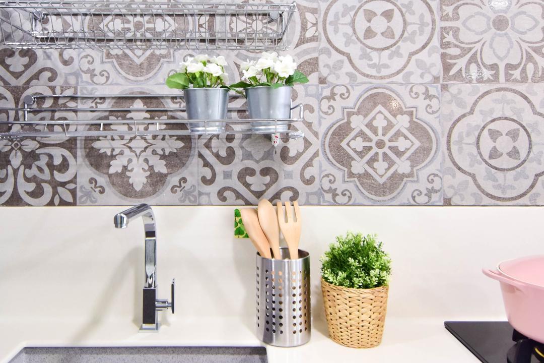 Jalan Klinik, MMJ Design Loft, Retro, Eclectic, Kitchen, HDB, Paper, Flora, Jar, Plant, Planter, Potted Plant, Pottery, Vase