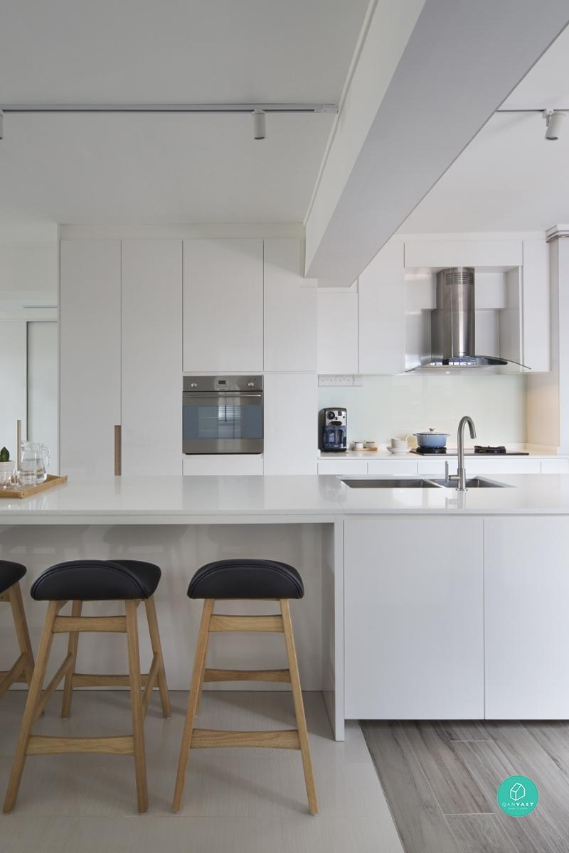 Image of: Up Or Down Which Kitchen Hood Is Best For Your Home Qanvast
