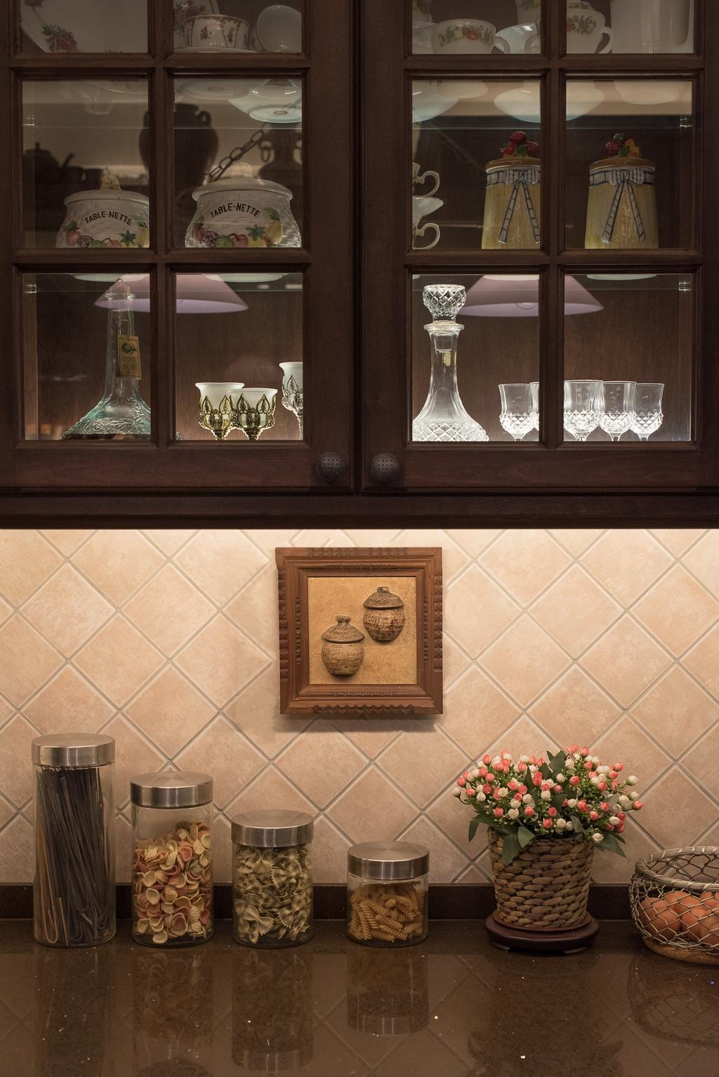 Traditional, HDB, Kitchen, Woodlands Street 41 (Block 418), Interior Designer, Fatema Design Studio, Tiles, Bottles, Cabinets, Glass Cabinets, Jar, Pottery, Vase