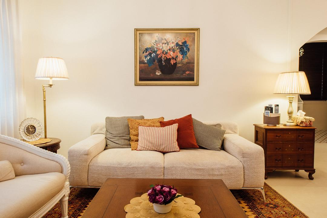 Serangoon North Ave 4 (Block 506B), Fatema Design Studio, Traditional, Living Room, HDB, Rug, Carpet, Sofa, Tbale Lamps, Standing Lamp, Couch, Furniture, Chair, Indoors, Room