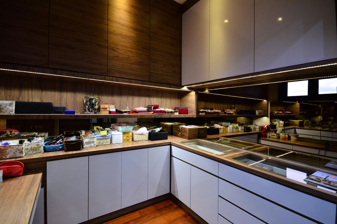 Beverly Heights, Interior+ Design Sdn. Bhd., Traditional, Kitchen, Landed, Kitchen Cabinet, Cabinetry, Hardwood, Stained Wood, Wood, Restaurant