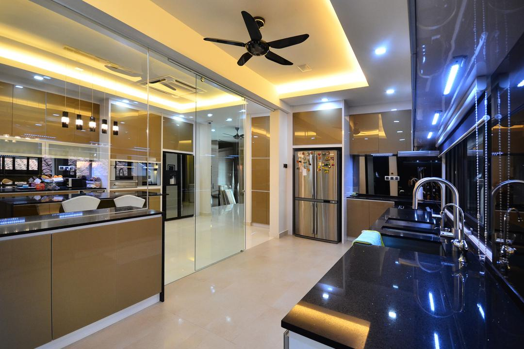Beverly Heights, Interior+ Design Sdn. Bhd., Traditional, Kitchen, Landed, False Ceiling, Cove Lighting, Concealed Lighting, Ceiling Fan, Downlight, Kitchen Cabinet, Cabinetry, Shiny, Glossy, Kitchen Sink, Sink, Reflective Surface, Reflection, Lighting