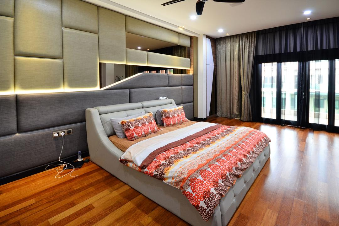 Beverly Heights, Interior+ Design Sdn. Bhd., Traditional, Bedroom, Landed, Prints, Bed, Headboad, Downlight, Curtain, Wood Floor, Wood Flooring, Furniture, Couch