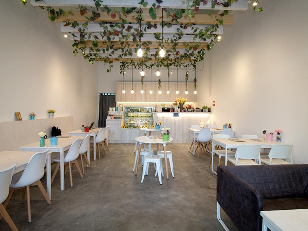 FART-TARTZ, Commercial, Interior Designer, Mink Design, Minimalistic, Dining Room, Indoors, Interior Design, Room, Sink, Furniture, Table, Couch, Dining Table, Chair