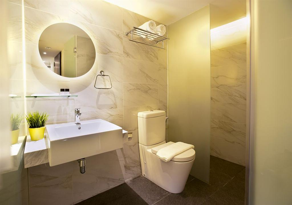 Jalan Pinang, Commercial, Architect, 7 Interior Architecture, Contemporary, Bathroom, Toilet, Indoors, Interior Design, Room