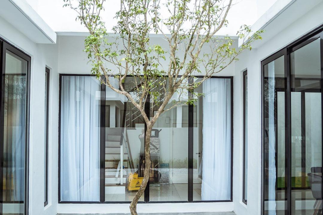 The Enclave, Ipoh, Code Red Studio, Contemporary, Garden, Landed, Airwell, Porch, Bonsai, Flora, Jar, Plant, Potted Plant, Pottery, Tree, Vase