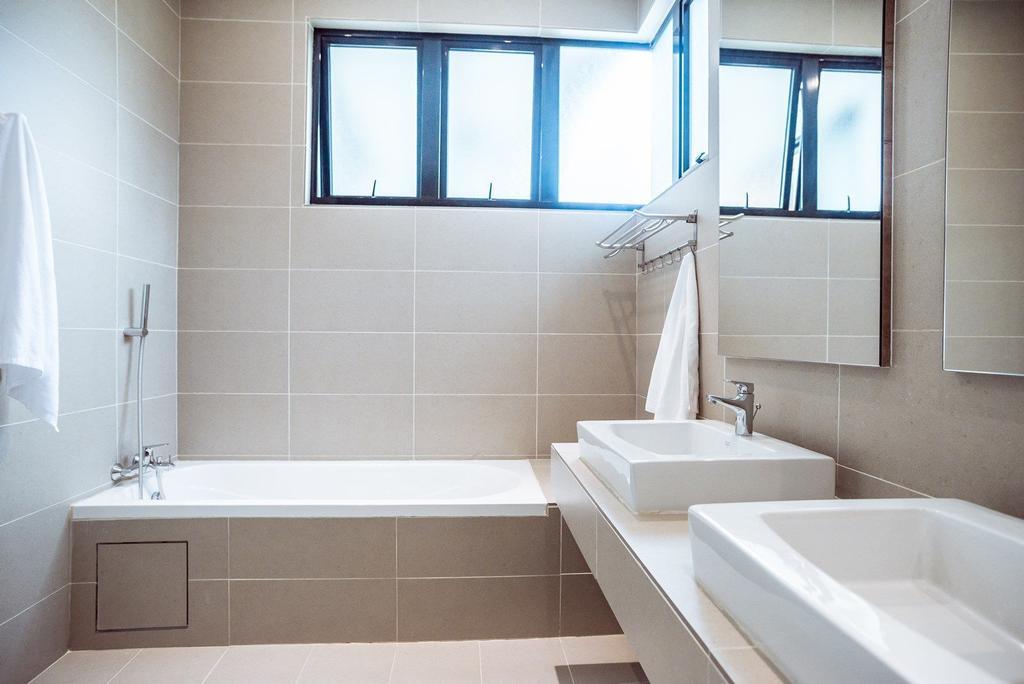 Contemporary, Landed, Bathroom, The Enclave, Ipoh, Architect, Code Red Studio, Bathtub, Tiles, Indoors, Interior Design, Room
