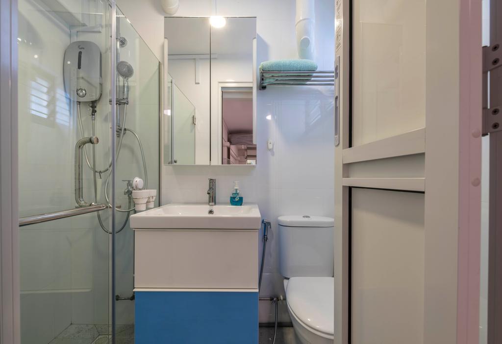 Modern, HDB, Sin Ming Avenue, Interior Designer, PHD Posh Home Design, Bathroom, Indoors, Interior Design, Room