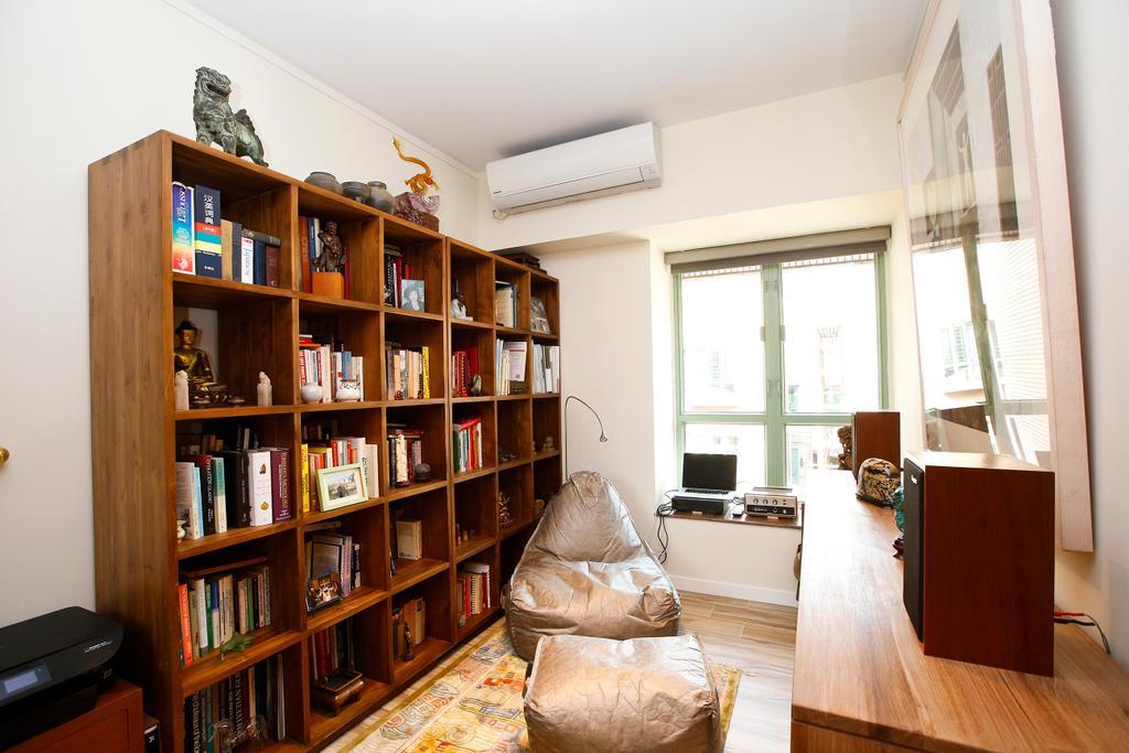 隨性, 獨立屋, 書房, 湖景花園, 室內設計師, 和生設計, Bookcase, Furniture, Couch, Hardwood, Wood, Flooring, Shelf, Chair