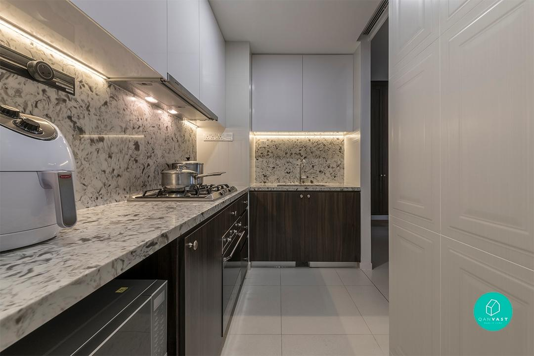 Marbled kitchen countertop