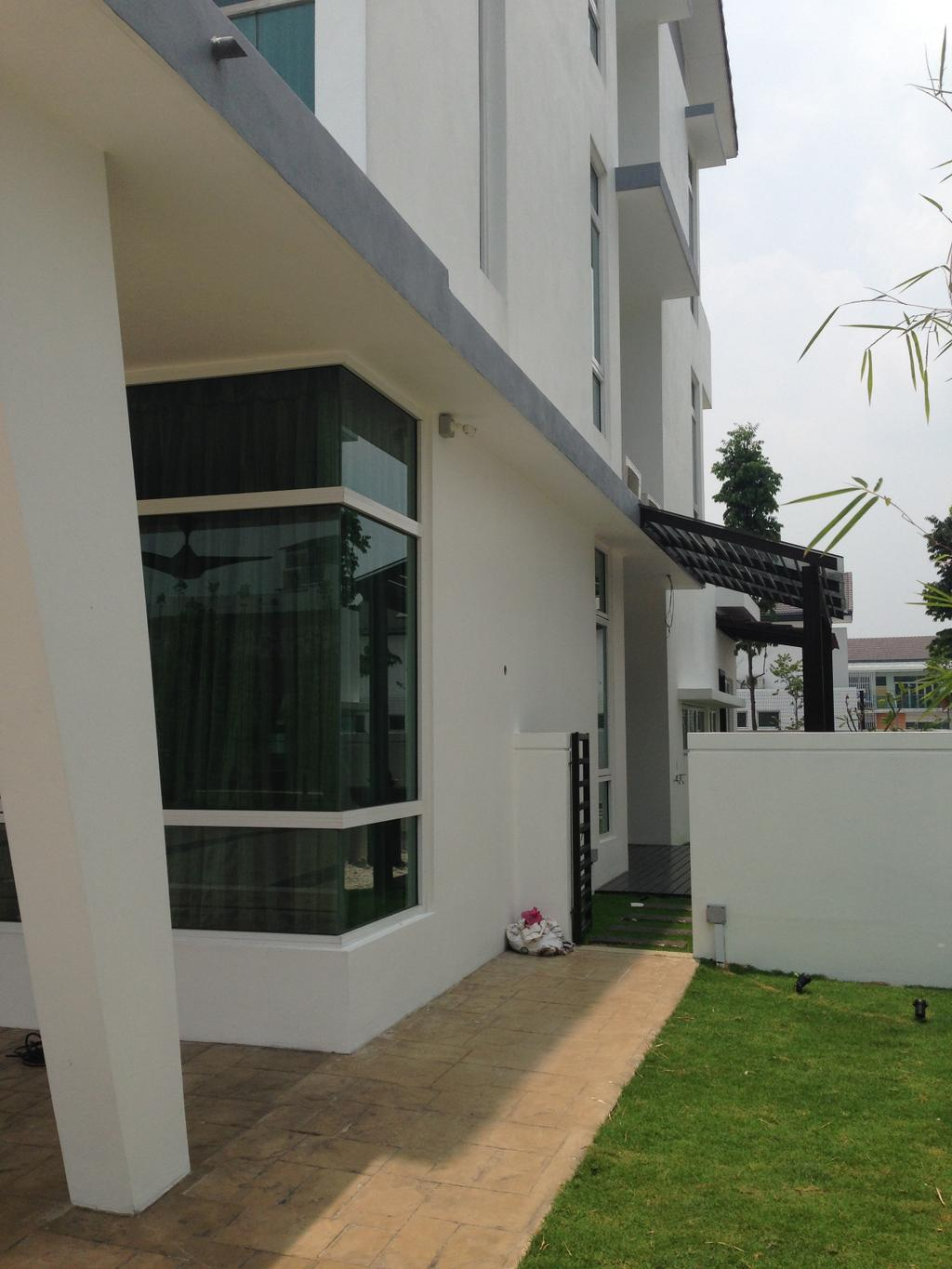 Modern, Landed, Kinrara Residence, Puchong, Interior Designer, Trivia Group Sdn. Bhd., Building, House, Housing, Villa, Flora, Jar, Plant, Potted Plant, Pottery, Vase