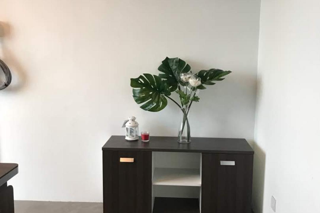 We Pays Office, Mahkota Parade, Trivia Group Sdn. Bhd., Modern, Contemporary, Commercial, Flora, Jar, Plant, Potted Plant, Pottery, Vase, Art, Blossom, Flower, Flower Arrangement, Ikebana, Ornament