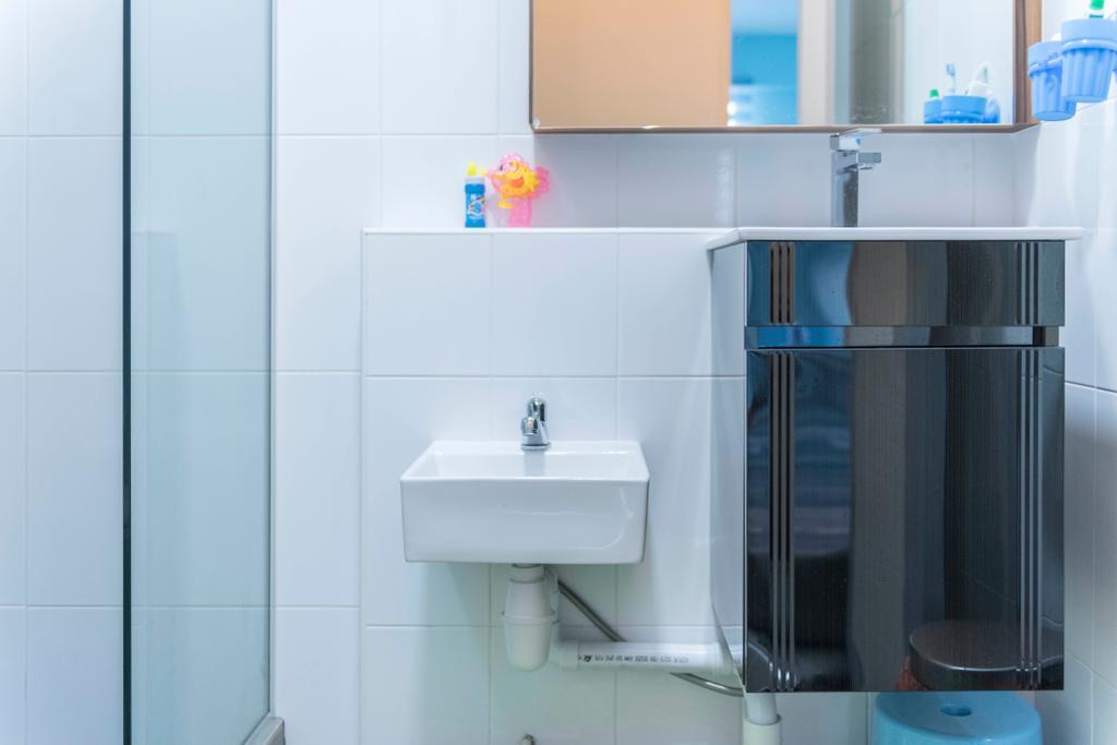 Contemporary, HDB, Bathroom, Tampines Avenue 8, Interior Designer, AgcDesign