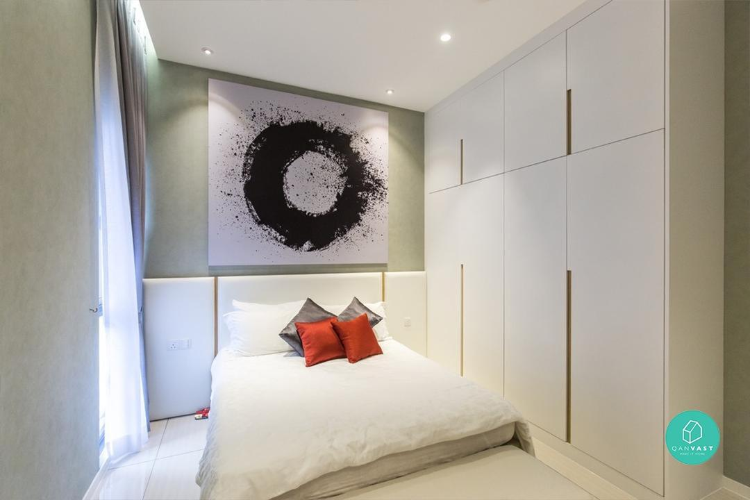 How to fit a large bed in a small room