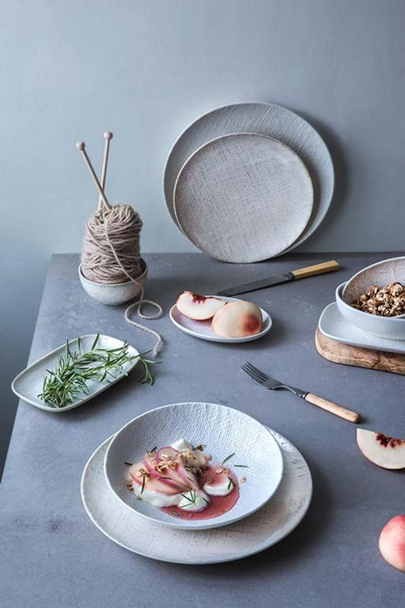 Choosing Right Tableware - Luzerne