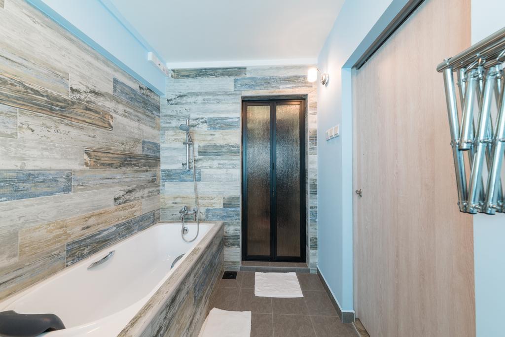 Contemporary, HDB, Bathroom, Whampoa Drive, Interior Designer, Z House Interior Design