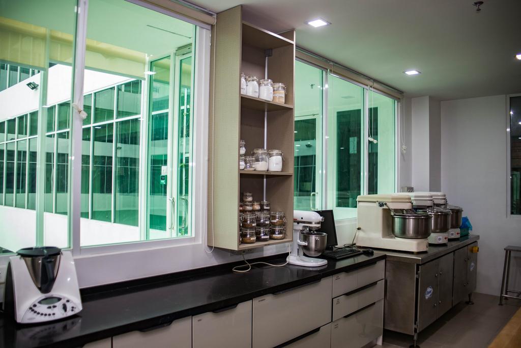 R&D Kitchen, Pulau Indah, Commercial, Interior Designer, Fuyu Dezain Sdn. Bhd., Transitional, Kitchen