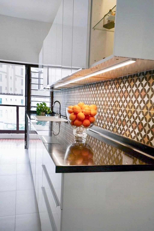 Contemporary, Condo, Kitchen, Wing on Life Garden, Interior Designer, Livspace