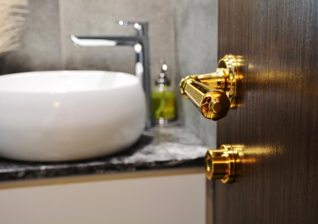 Contemporary, Condo, Bathroom, La Casa, Interior Designer, Diva's Interior Design
