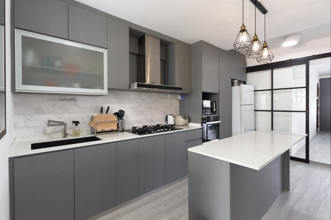 Clementi West Street 2 by J Design & Build