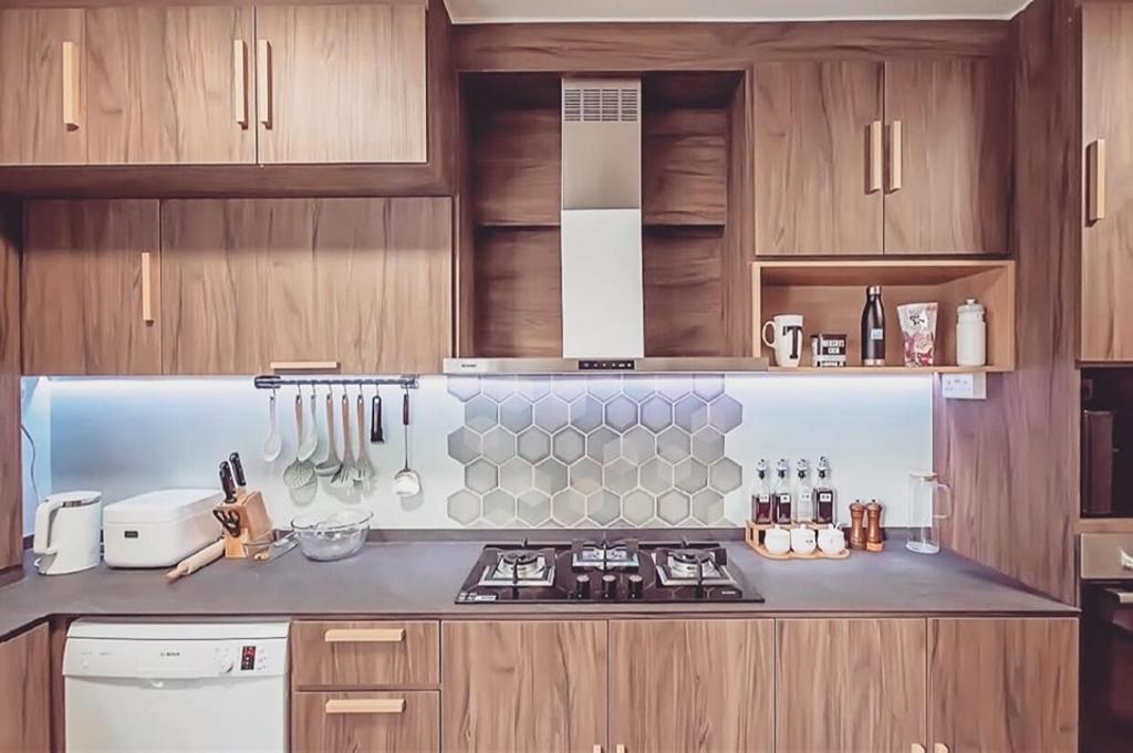 Minimalistic, HDB, Kitchen, Kim Tian Road, Interior Designer, Le Bleu Art