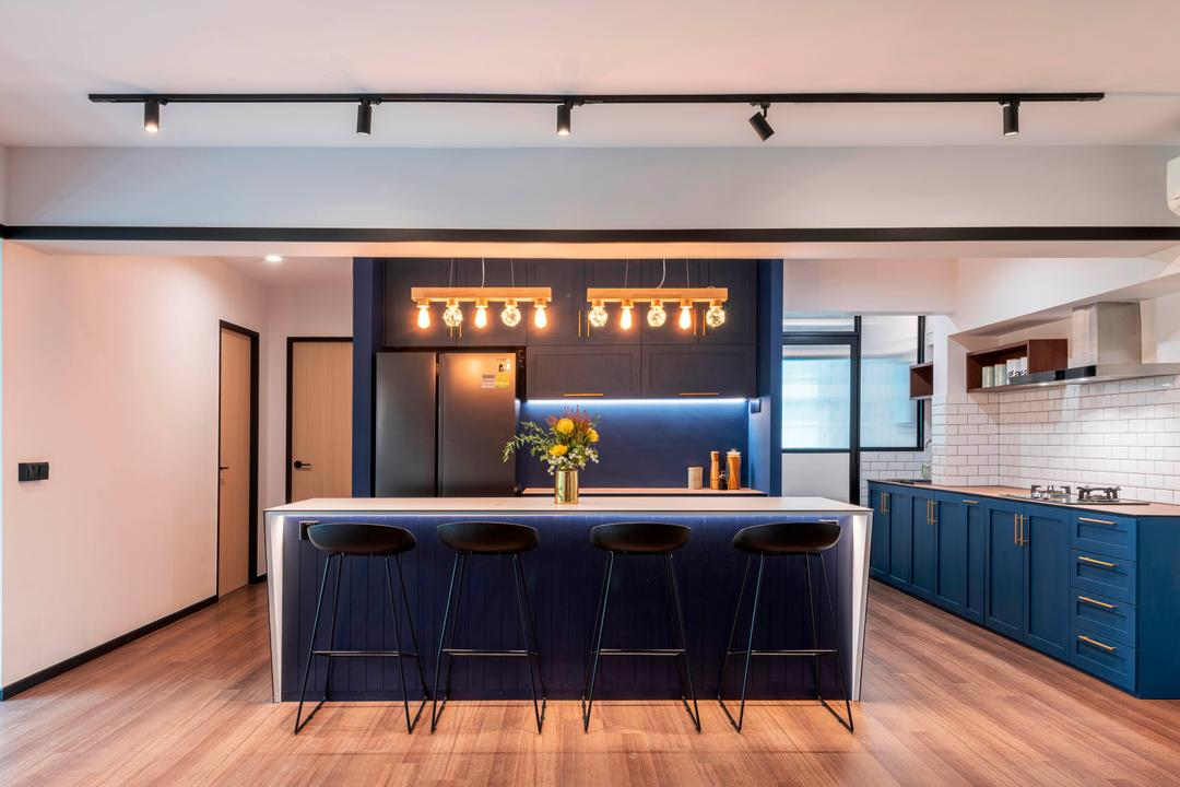 An Open-Concept Kitchen Layout Revived This 20-Year-Old Flat
