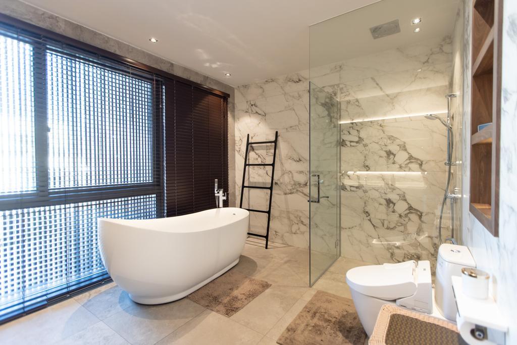 Modern, Landed, Bathroom, Jalan Bangau, Interior Designer, Forefront Interior, Contemporary, Bathtub