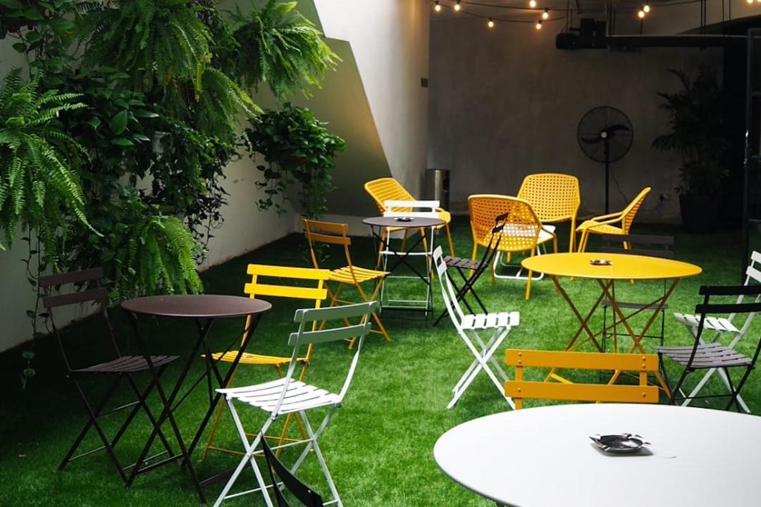 Sarkies Lounge @ Portofino, Hmlet Interiors, Industrial, Scandinavian, Garden, Commercial