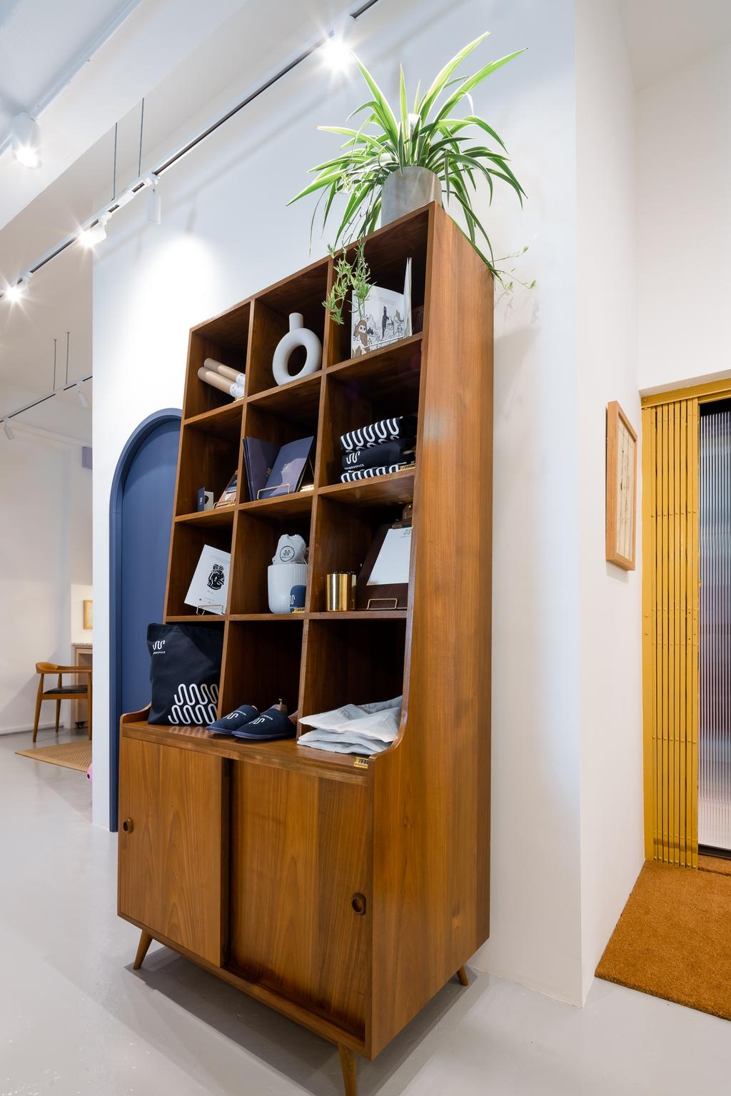 The Sainouspace, Commercial, Interior Designer, Insight.Out Studio, Traditional, Minimalistic