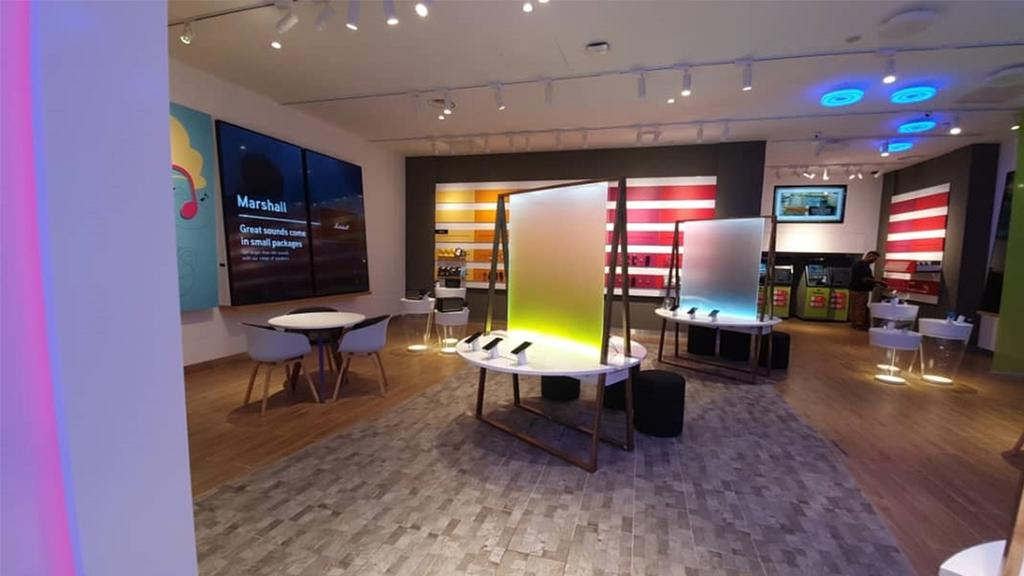 Maxis Malaysia First Experience Store, The Garden Mid Valley, Commercial, Interior Designer, BIQQ Interior, Modern, Contemporary