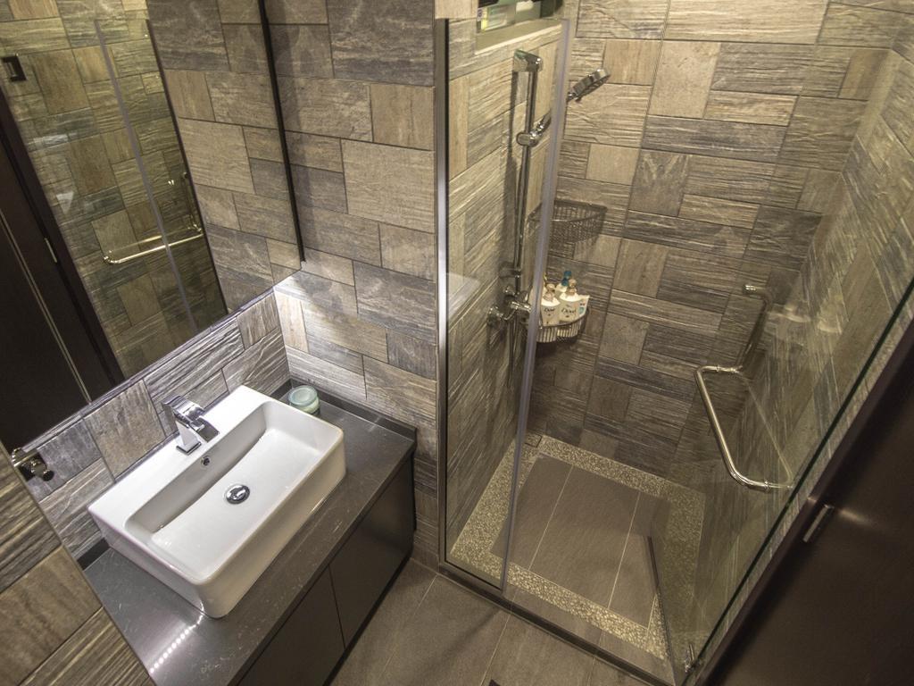 Modern, Condo, Bathroom, The Quintet, Interior Designer, Le Interior Affairs