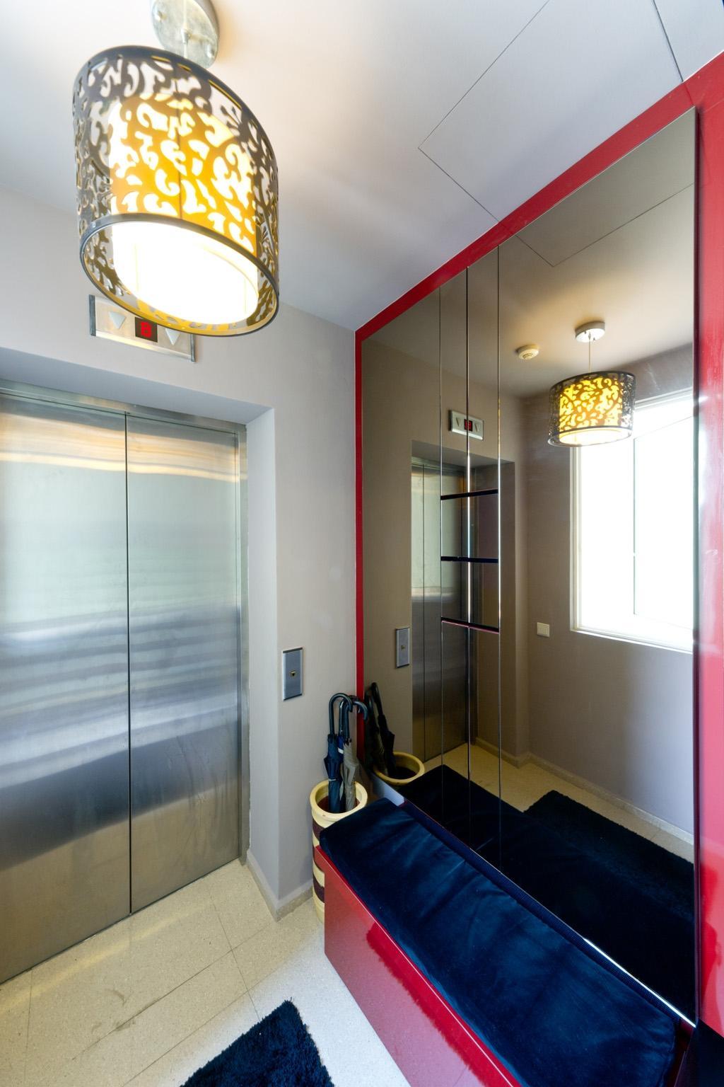 Eclectic, Condo, Country Park @ Bedok Road, Interior Designer, Unity ID, Bench, Mirror, Full Length Mirror, Pendant Light, Lighting, Hanging Light, Cabinet