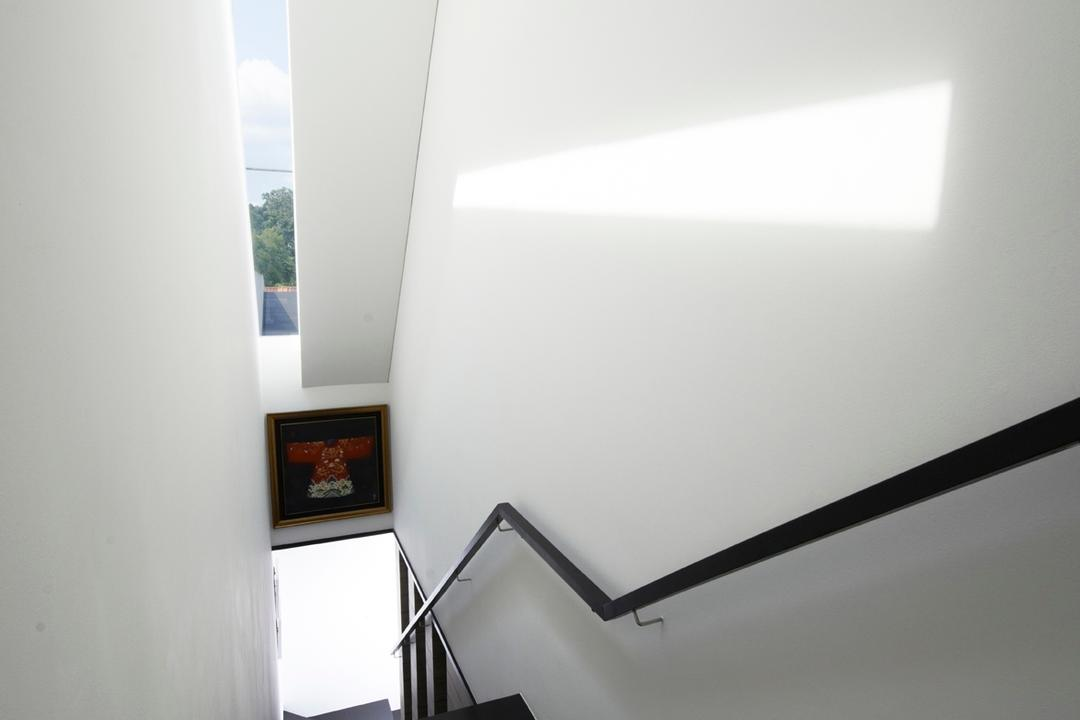 Chu Lin Road, akiHAUS, Modern, Landed, Narrow, Skylight, Staircase, Wood, Flooring, Handrail, White, Wall, Glass, Picture