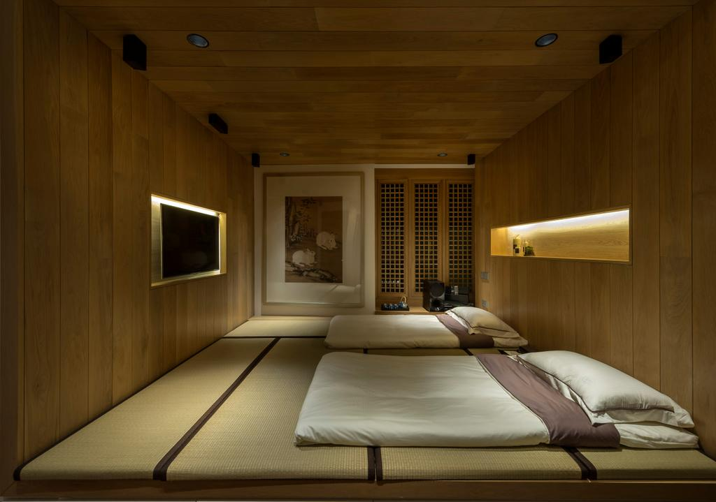 Traditional, Condo, Bedroom, Oceanfront, Interior Designer, akiHAUS, Deck Ceiling, Wood, Panel, Window, Painting, Tatami, Concealed Lighting, Console, Zen, Platform, Electronics, Entertainment Center, Indoors, Room