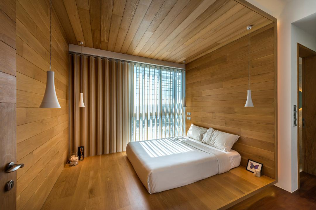 Oceanfront, akiHAUS, Traditional, Bedroom, Condo, Parquet, Deck Ceiling, Wood, Panel, Blinds, Full Length Window, Hanging Light, Zen, Nature, Concealed Lighting