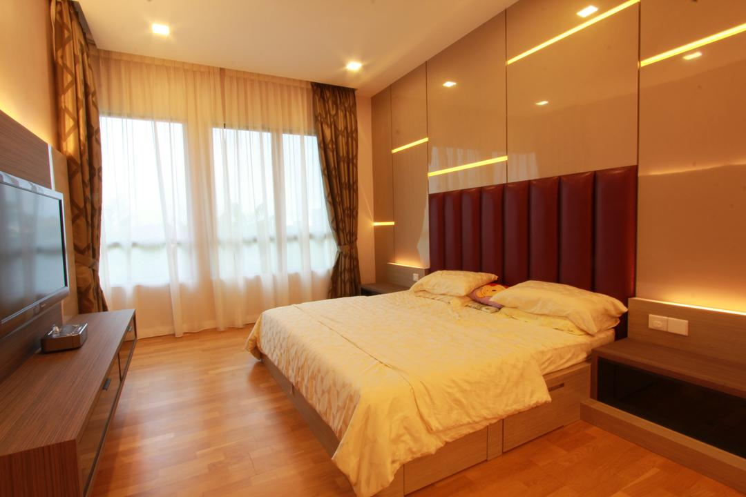 Ara Damansara, Zyon Studio Sdn. Bhd., Transitional, Bedroom, Condo, Bed, Headboard, Bed With Storage, Bedside Table, Downlight, Warm Lights, Tv Console, Tv, Tv Cabinet, Curtains, Wood Floor, Wooden Flooring, Indoors, Room, Furniture, Hardwood, Wood, Interior Design