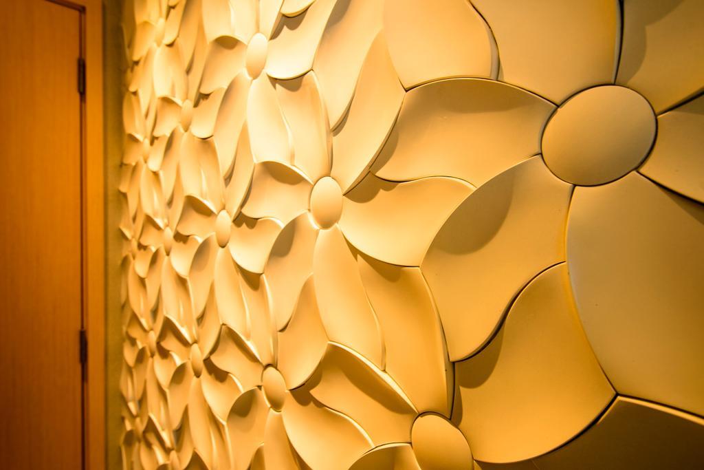 Eclectic, Condo, A Treasure Trove, Interior Designer, Hue Concept Interior Design, Craft On Wall, Floral, Embellishment, Lamp, Lampshade