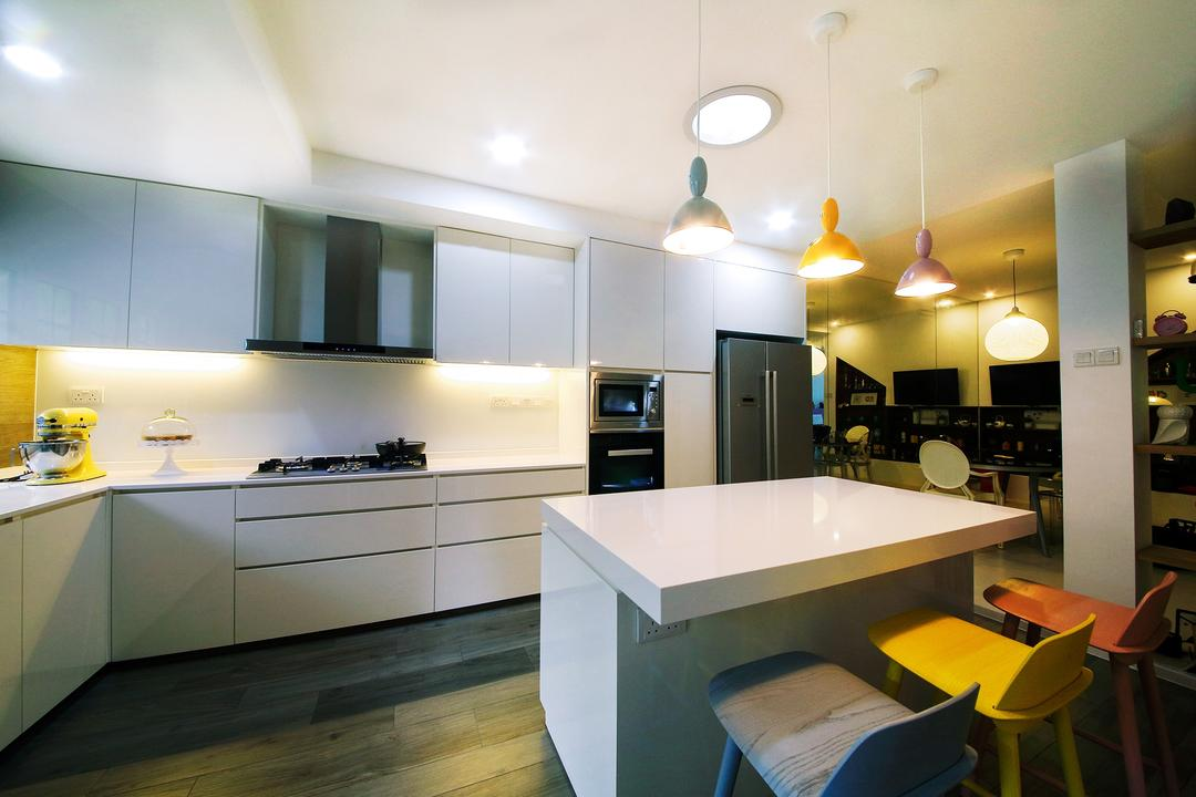Clover Way, Icon Interior Design, Minimalistic, Kitchen, Landed, Kitchen Island, High Stool, Bar Stools, White, L Shaped Kitchen, Hob, Hood, Pendant Lights, White Cabinet, Knobless, Couch, Furniture, Indoors, Interior Design, Dining Table, Table