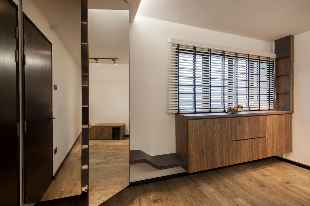 Ang Mo Kio Avenue 3(Block 562), DB Studio, Contemporary, Bedroom, HDB, Mirror Door, Reflective Door, Mirror Panel, Mirror On Door, Wardrobe, Cabinet, Venetian Blinds, Rack, Decor Rack, Wall Mount Cabinet, Flooring