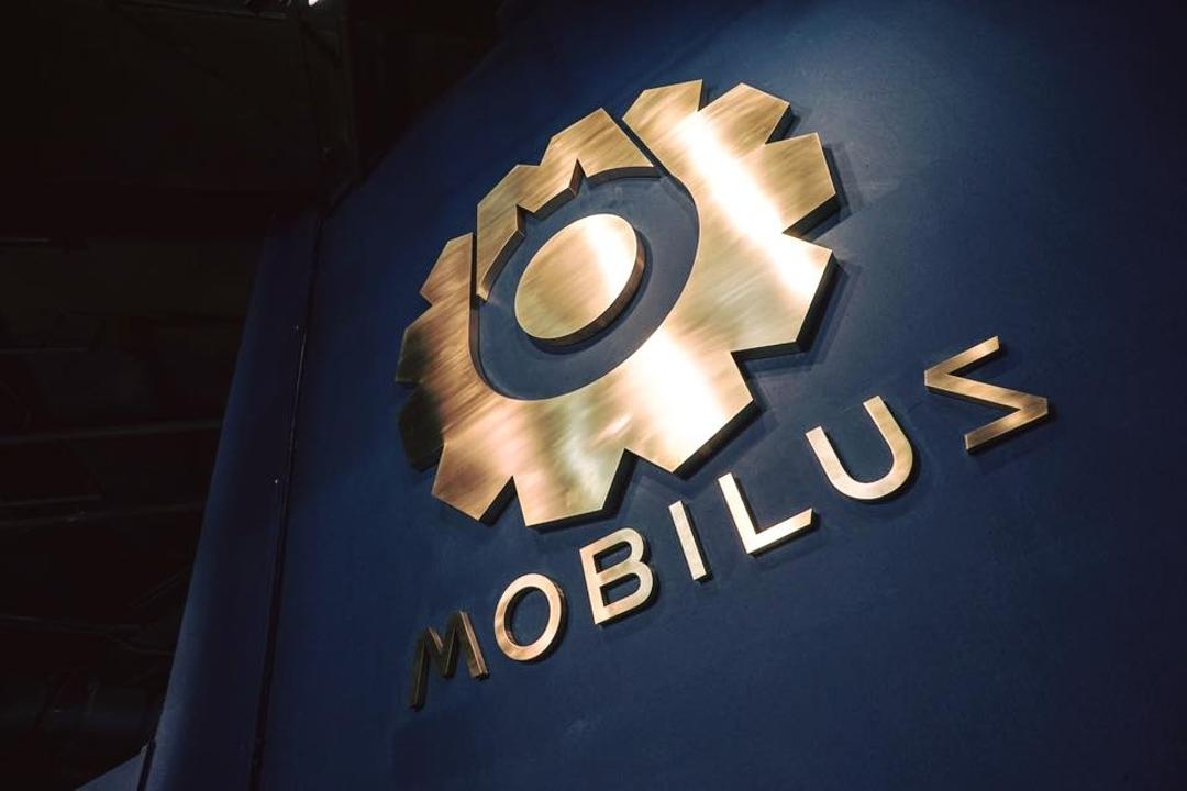 20 Mobilus Gym, Liid Studio, Industrial, Commercial, Alphabet, Ampersand, Text