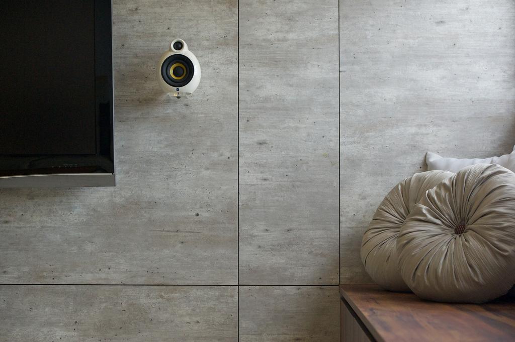 Minimalistic, HDB, Bedok South, Interior Designer, Dyel Design, Mounted Speakers, Cushions, Wall, Hardwood, Wood