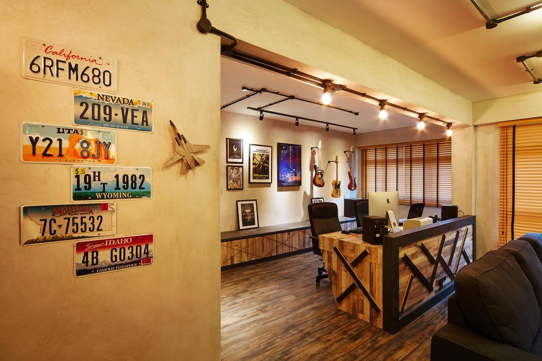Pasir Ris, The Local INN.terior 新家室, Industrial, Study, HDB, Wall Decor, Home Decor, Track Lightings, Hacked Wall, Couch, Furniture, Flooring
