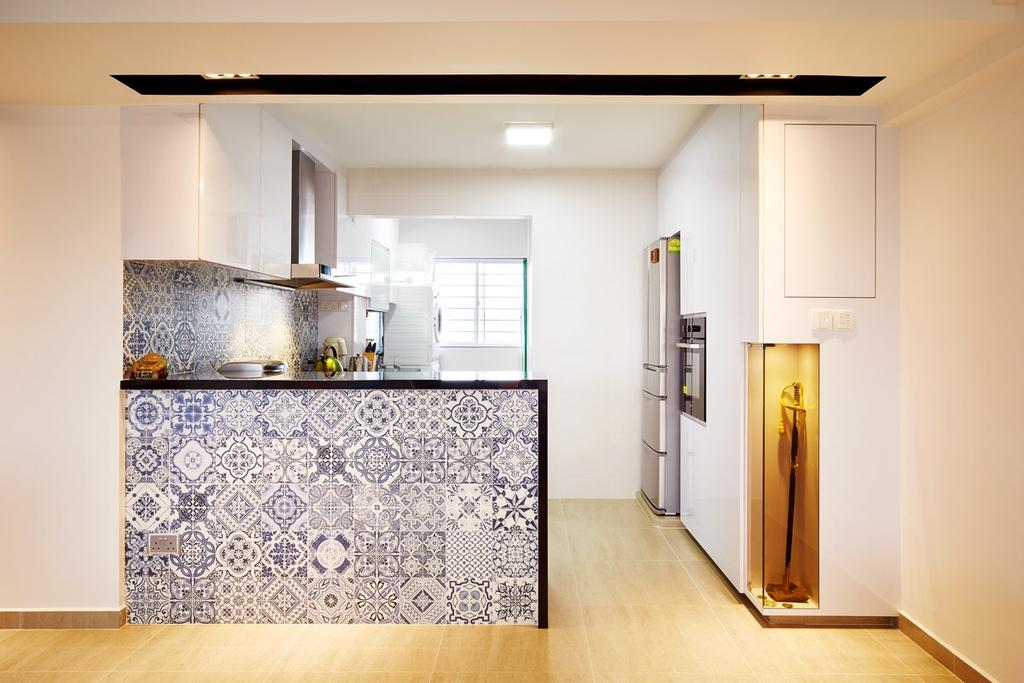 Eclectic, HDB, Kitchen, Hougang, Interior Designer, The Local INN.terior 新家室, Kitchen Tiles, Patterned Tiles, Kitchen Counterop, Kitchen Peninsula, Cabinets, Cabinetry