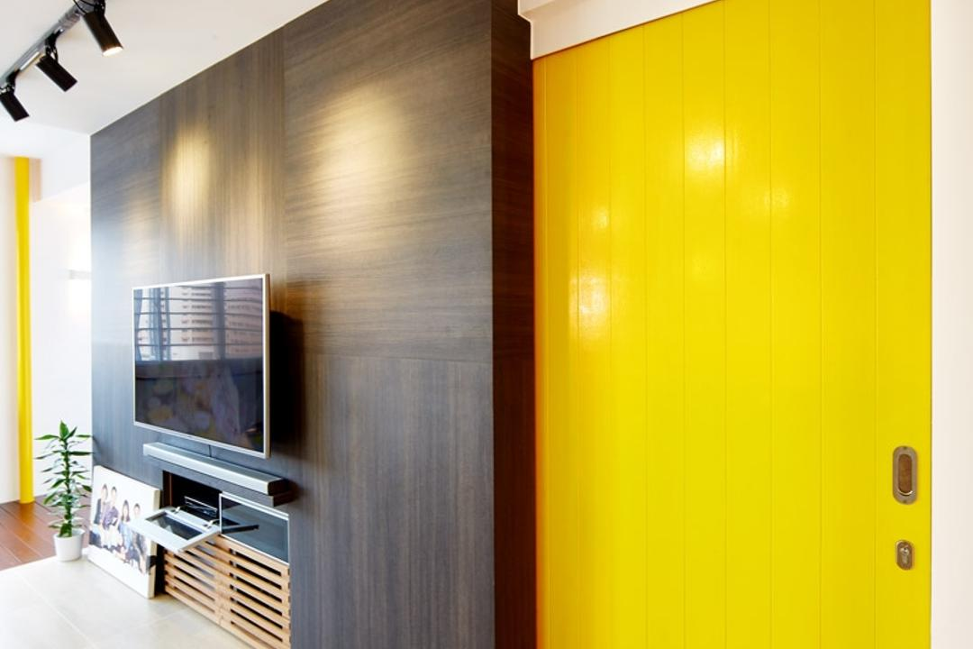 Hougang, The Local INN.terior 新家室, Eclectic, Living Room, HDB, Yellow, Yellow Door, Striking Colour, Feature Wall, Track Lightings, Tv Console, Track Lights, Corridor
