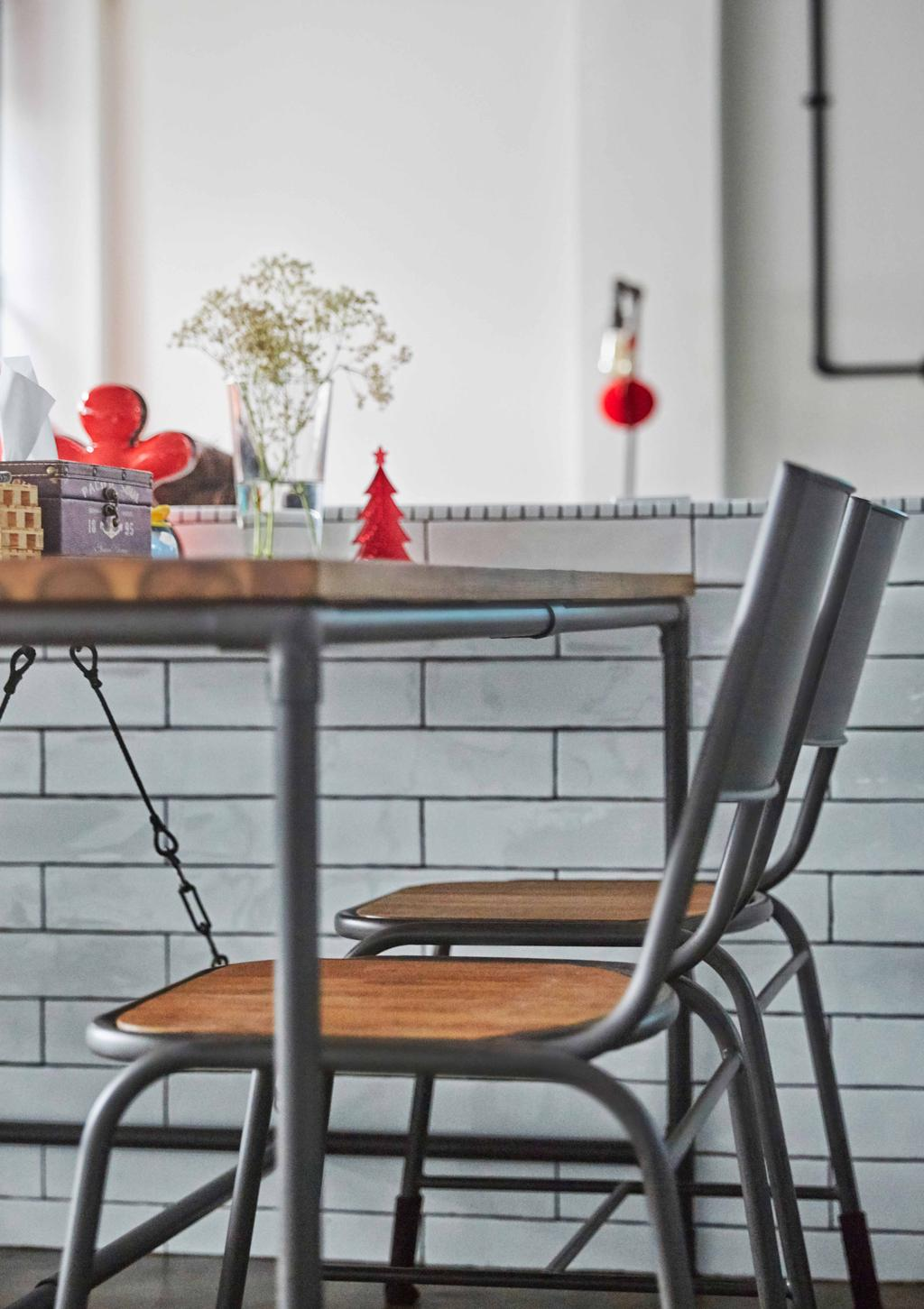 Eclectic, HDB, Dining Room, Jurong West (Block 639), Interior Designer, i-Chapter, Industrial, Brick Walls, Bricks, Dining Chairs, Chairs, Industrial Style Chairs, Metal, , Metal Chairs, Human, People, Person, Chair, Furniture
